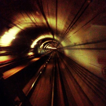 Everyday_life_mrt_tunnel2