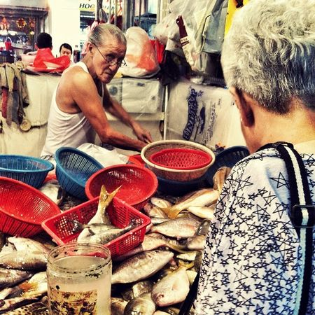Everyday_life_fishmonger