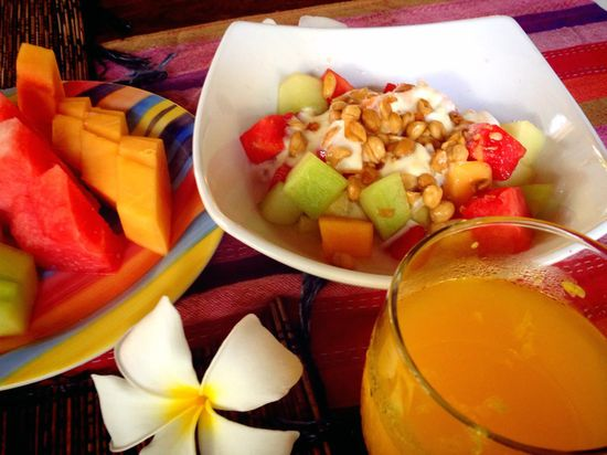 Bali_fruits_breakfast