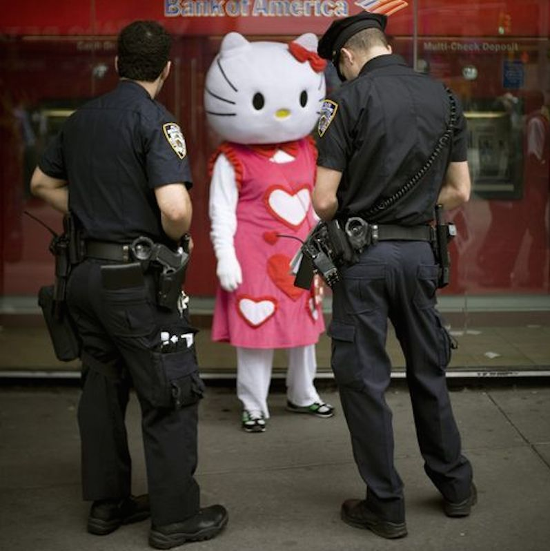 Hello-kitty-cops